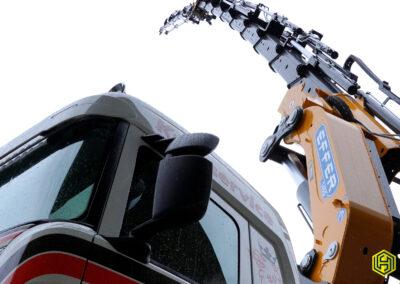 Brückenfahrzeug mit Effer 1405 9S & Jib 6S – Alder AG